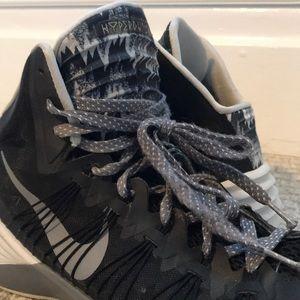 NIKE Hyperdunk Indoor Basketball Shoes